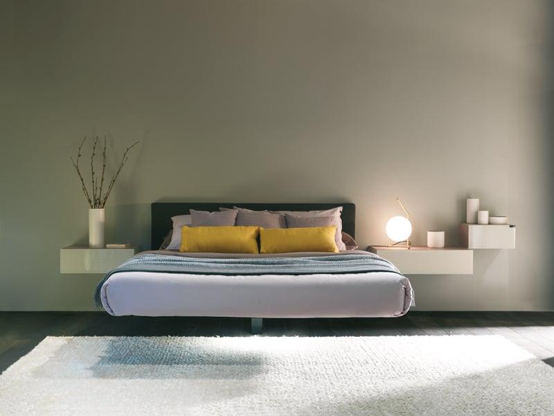 Fluttua lago il letto con una gamba sola you furniture for Letto lago prezzo