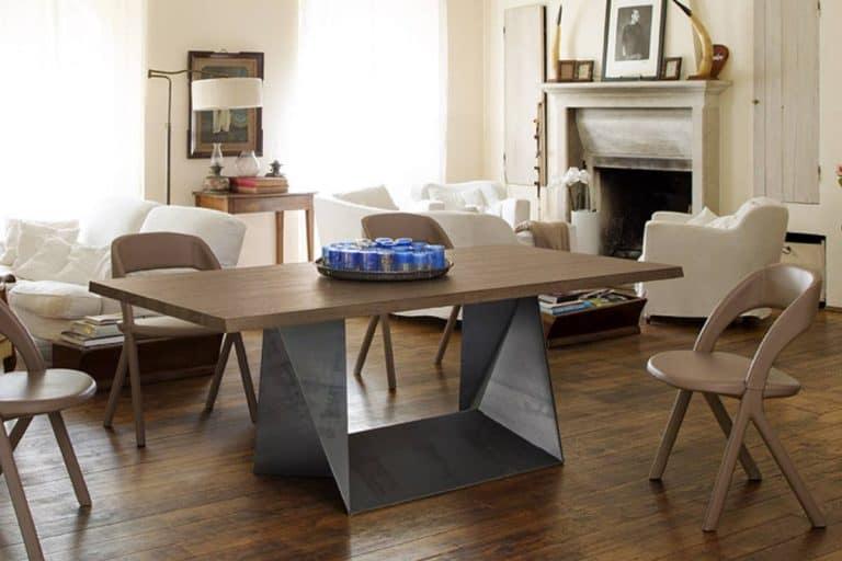 Clint: tavolo moderno con base in acciaio e piano in legno - Alma Design