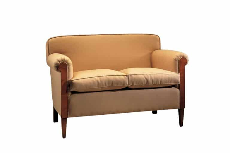 '900 Club: piccolo divano in pelle con struttura in legno di ciliegio - Morelato